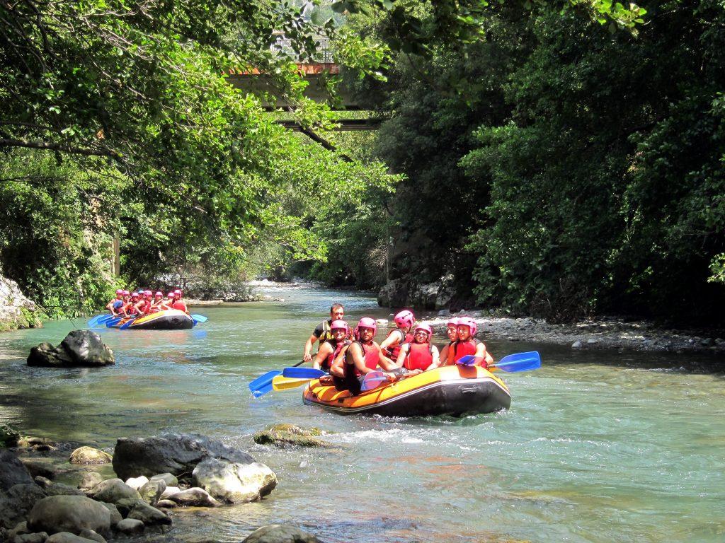 raften op de rivier de Lao